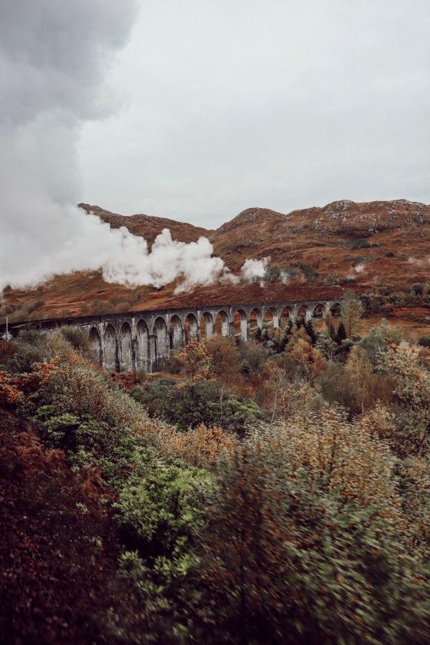 Scotland-GlenfinnanViaduct-LaurenDixon